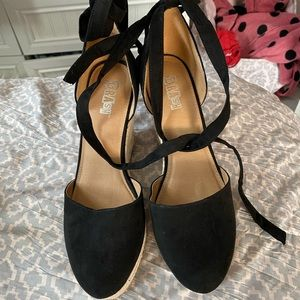NWOT Strappy Wedges